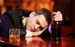 К алкоголикам инсульт придет на 15 лет раньше