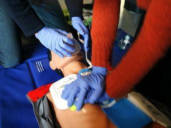 Сердечный приступ не помешал врачу скорой в Детройте реанимировать пациента