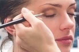 Где проходят в Киеве самые лучшие курсы макияжа