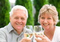Спиртное в малых дозах снижает риск развития болезней сердца