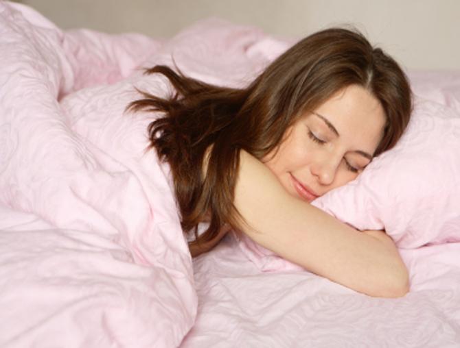 Безопасно ли спать на животе