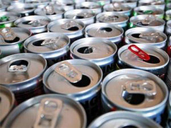 Медики: энергетические напитки вредят здоровью сердца