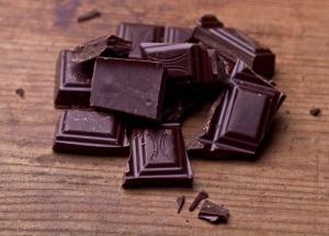 Маленькие порции шоколада защищают сердце от болезней