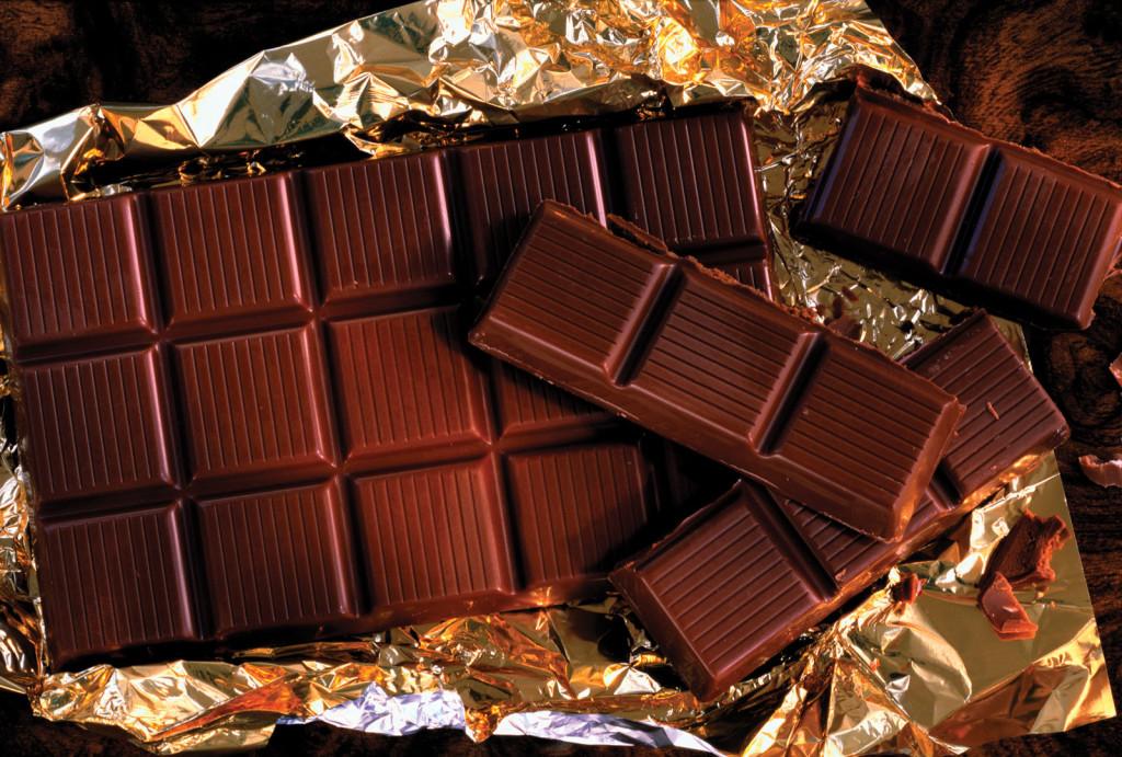 Шоколад, оливковое масло и клюква восстанавливают сосуды