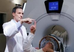 В США планируют внедрять новейший метод терапии тремора рук ультразвуком
