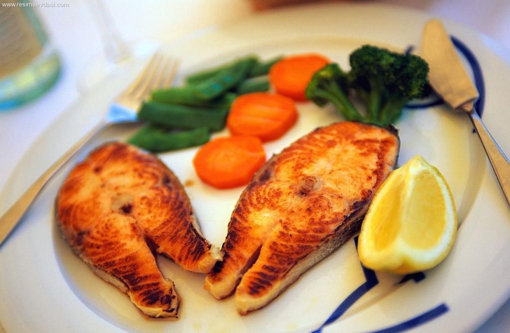 От инсульта защитит рыбная диета