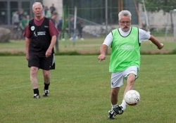 Для мужчин-пенсионеров игра в футбол – профилактика инфаркта