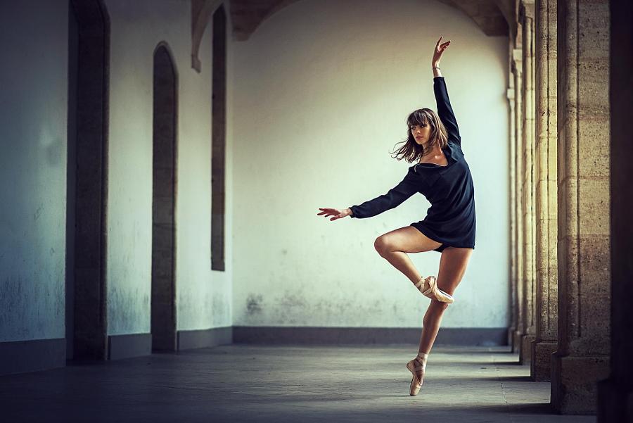 Танец и музыка развивают мозг в противоположных направлениях