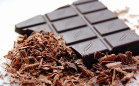 Черный шоколад убережет от инфаркта и диабета, заявили ученые