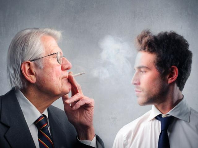 Пассивное курение приводит к инсультам, предупреждают врачи
