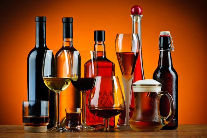 Чрезмерное употребление алкоголя приближает вероятность инсульта на 15 лет