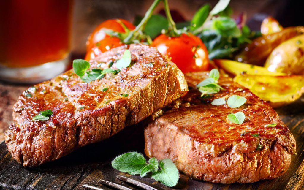 Ученые: любовь к жареному мясу вредит сердцу