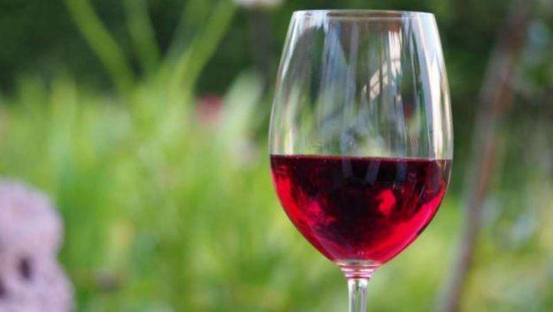 Пить или не пить? Как алкоголь влияет на здоровье сердца
