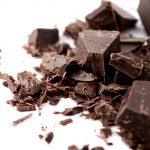 Горький шоколад снижает давление