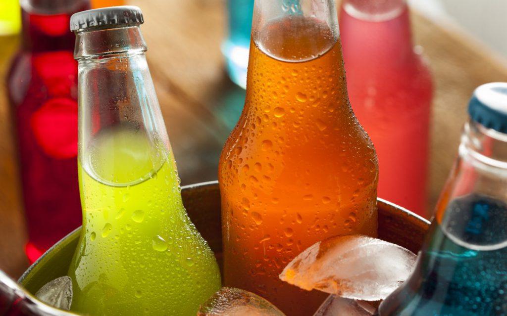 Любителям сладких напитков грозит атрофия мозга — ученые