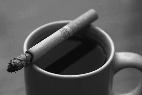 Кофе с сигаретой: сильнейший удар по сердечно-сосудистой системе
