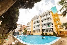 Отель «Кипарис»: маленький рай развлечений!