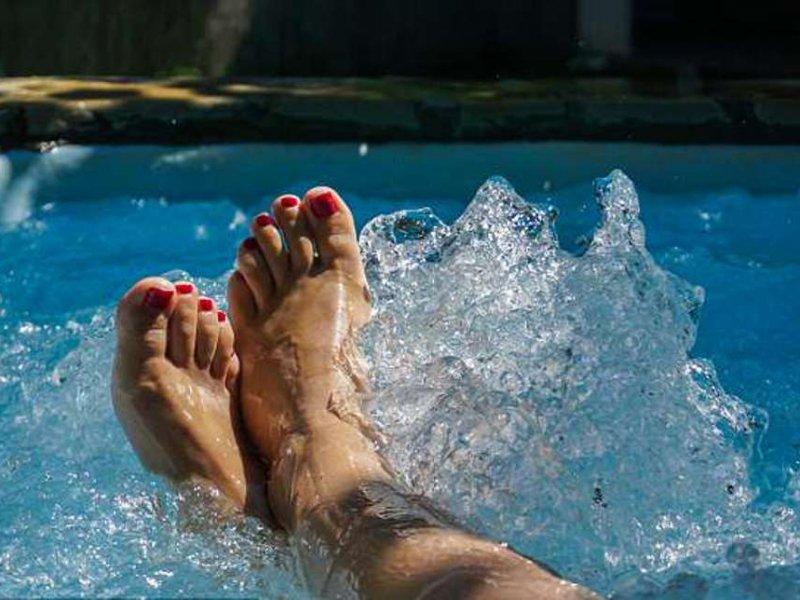 Горячая ванна защитит сердце женщин с ожирением