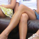Можно ли девушкам сидеть нога на ногу и носить узкие джинсы