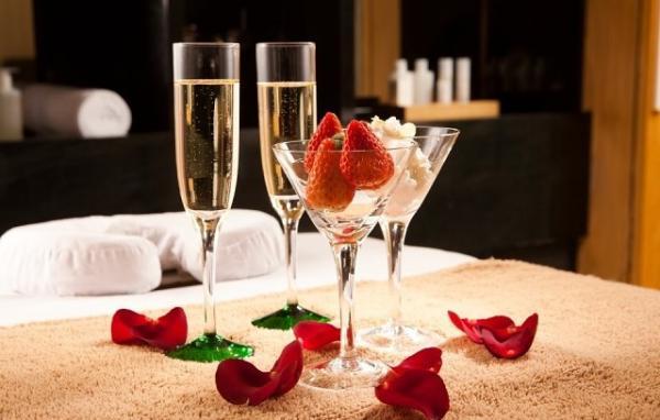 Эксперты назвали алкоголь, который лучше пить во время прелюдии к сексу