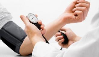 Медики назвали пять способов снижения давления без таблеток