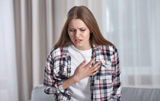 Первая помощь при сердечном приступе: что делать, чтобы помочь себе и близким