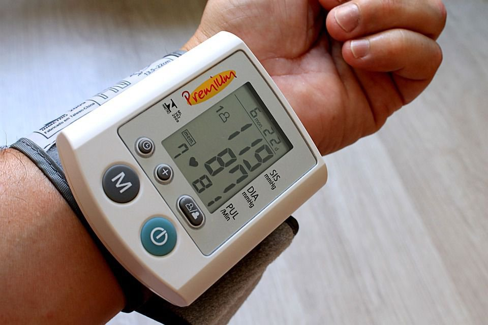 Утренний подъем артериального давления при артериальной гипертонии и возможность его коррекции антигипертензивными препаратами
