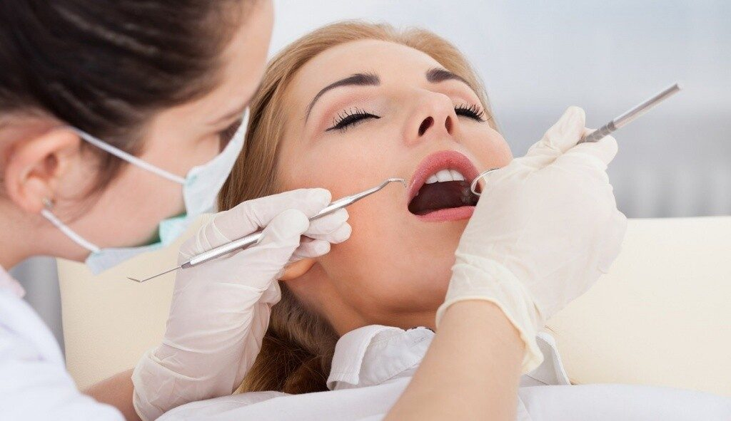 Куда записаться на лечение зубов?